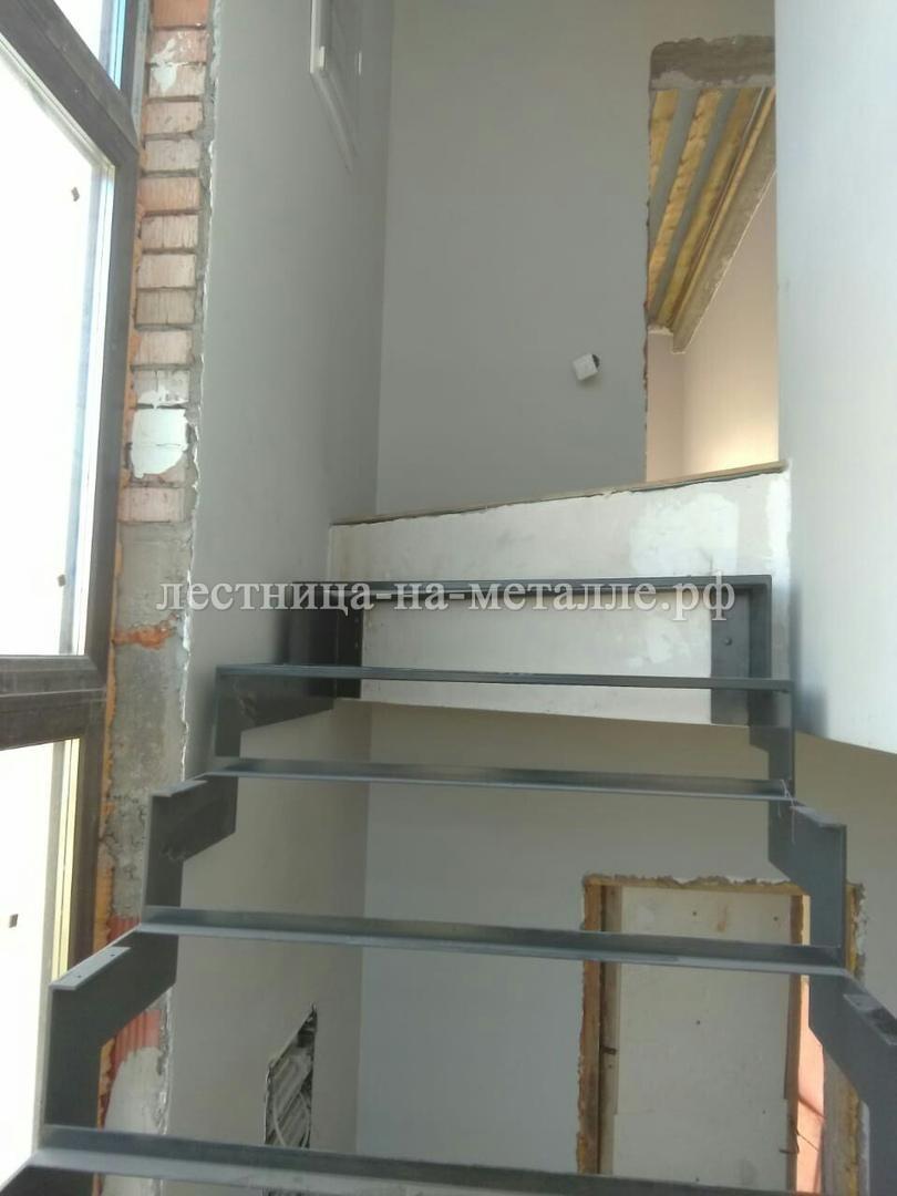 приход лестницы на 2 этаж