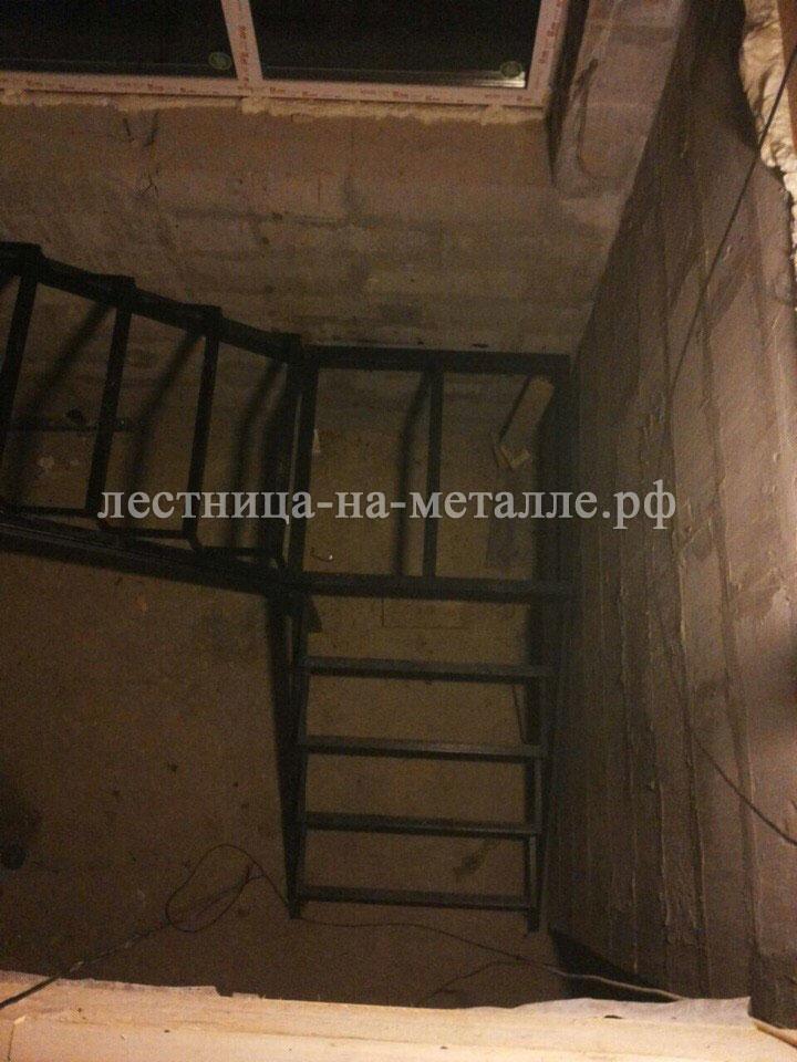 Как сделать лестницу из металла в погреб своими руками 83
