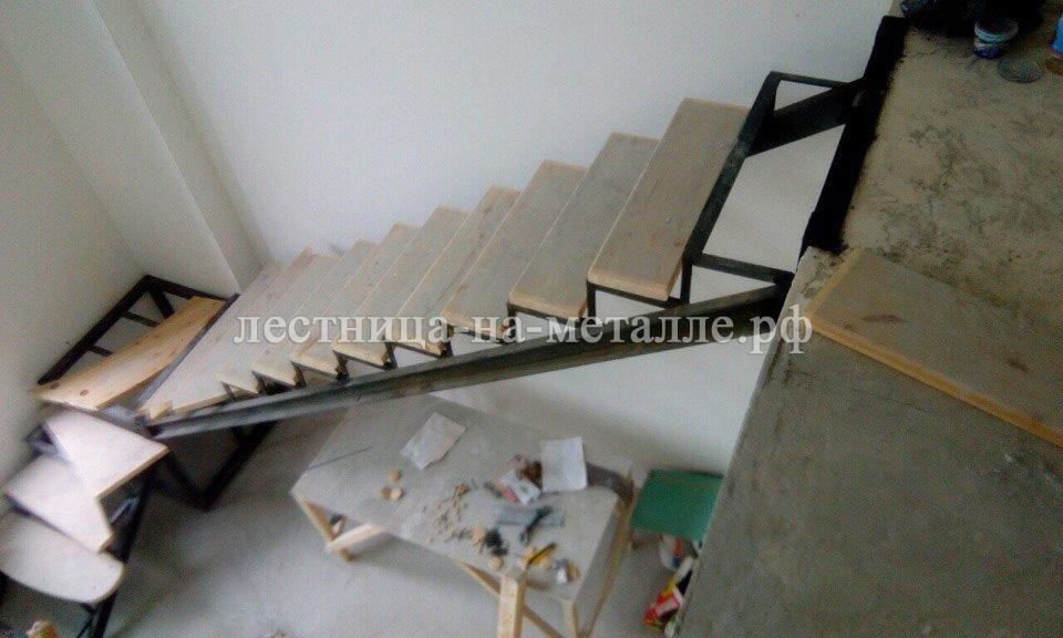 Как сделать лестницу если есть металлический каркас 41